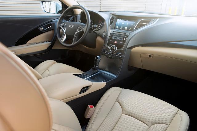 Nội thất của Hyundai Azera cũ