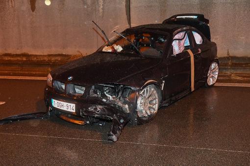 Chiếc BMW 1M Coupe tại hiện trường vụ tai nạn