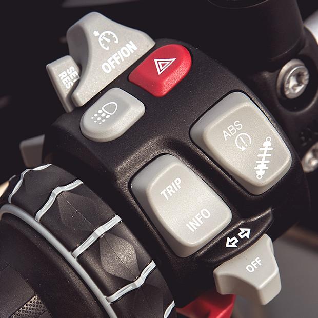BMW R 1200 GS 2017 trang bị hàng loạt công nghệ tiên tiến - Ảnh 8.