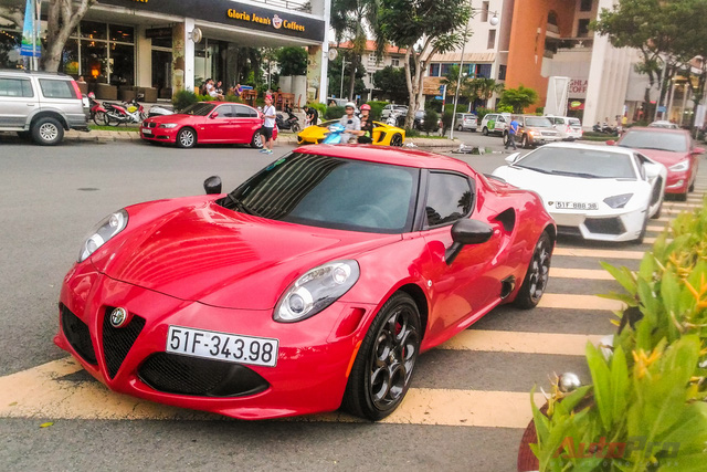 alfa romeo 4c launch edition c nh t vi t nam thay o v ng cr m. Black Bedroom Furniture Sets. Home Design Ideas