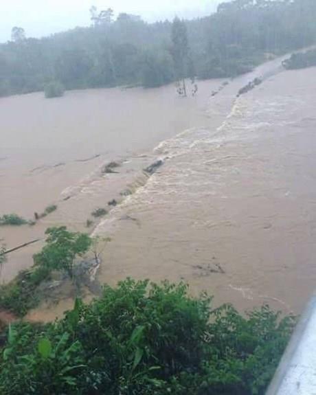Nước lũ dâng cao trên các dòng sông. Ảnh: facebook