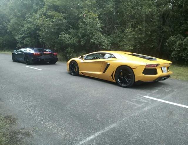 Siêu xe Lamborghini Aventador SV làm nền cho đại gia Minh Nhựa tạo dáng bên vợ - Ảnh 3.