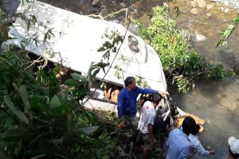 13 người chết vụ xe bồn và xe khách lao xuống vực: Hé lộ nguyên nhân ban đầu