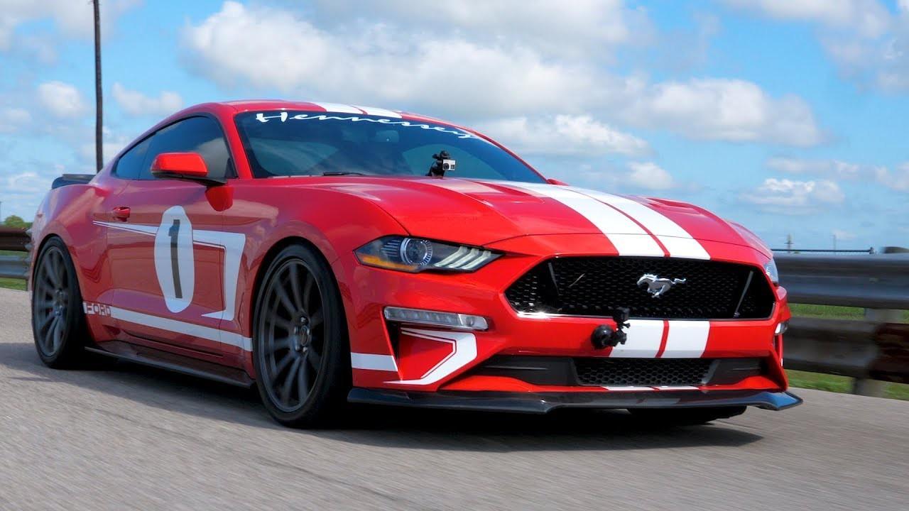 Xem 'ngựa hoang' Hennessey Heritage Edition Mustang 'đốt cháy' đường đua