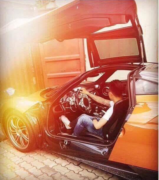 Pagani Huayra của Minh Nhựa trở thành siêu xe đắt nhất Việt Nam hiện nay.