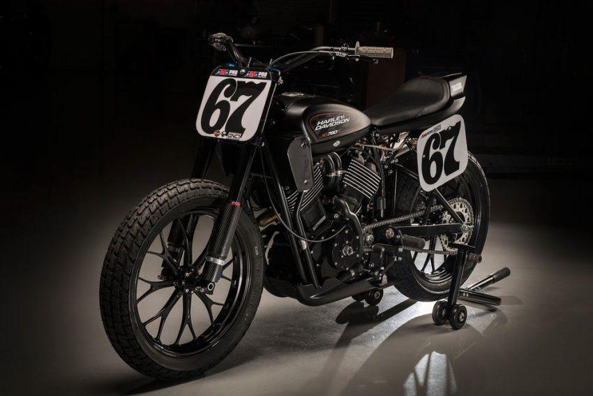 Thế hệ xe flat-track của Harley-Davidson đã sẵn sàng quần thảo trên các đường đua. Mới đây, hãng Harley-Davidson đã tung ra tân binh XG750R mang kiểu dáng flat-track. Đây cũng chính là mẫu xe đua flat-track hoàn toàn mới đầu tiên của hãng Harley-Davidson trong suốt 44 năm qua.