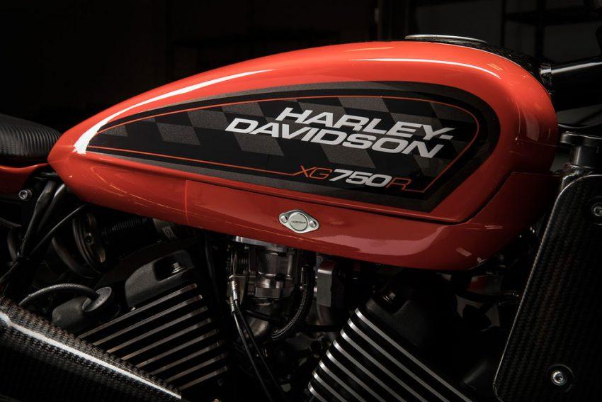 Về thiết kế, Harley-Davidson XG750R mang thiết kế đậm chất flat-tracker. Tương tự những chiếc flat-tracker thông thường, Harley-Davidson XG750R cũng có thiết kế đơn giản, chỉ tập trung vào tốc độ và khả năng vận hành linh hoạt trên những đường đua bùn đất.