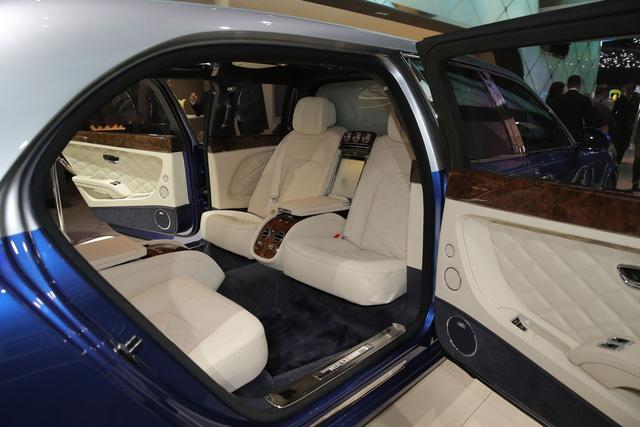 Nội thất của Bentley Mulsanne Grand Limousine