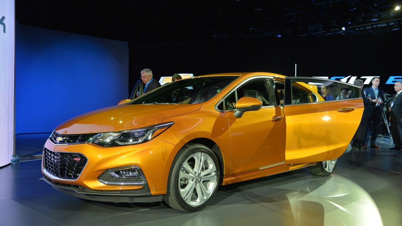 Chevrolet Cruze Hatchback 2017 sẽ có giá hợp túi tiền người Việt