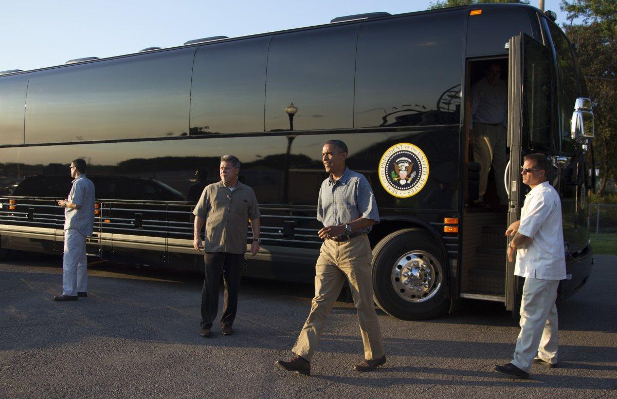 Tương tự mọi chiếc xe hộ tống Tổng thống Obama, Ground Force One cũng được trang bị đầy đủ các hệ thống an toàn như lốp run-flat, thân vỏ bọc thép và kính cường lực hạng nặng.