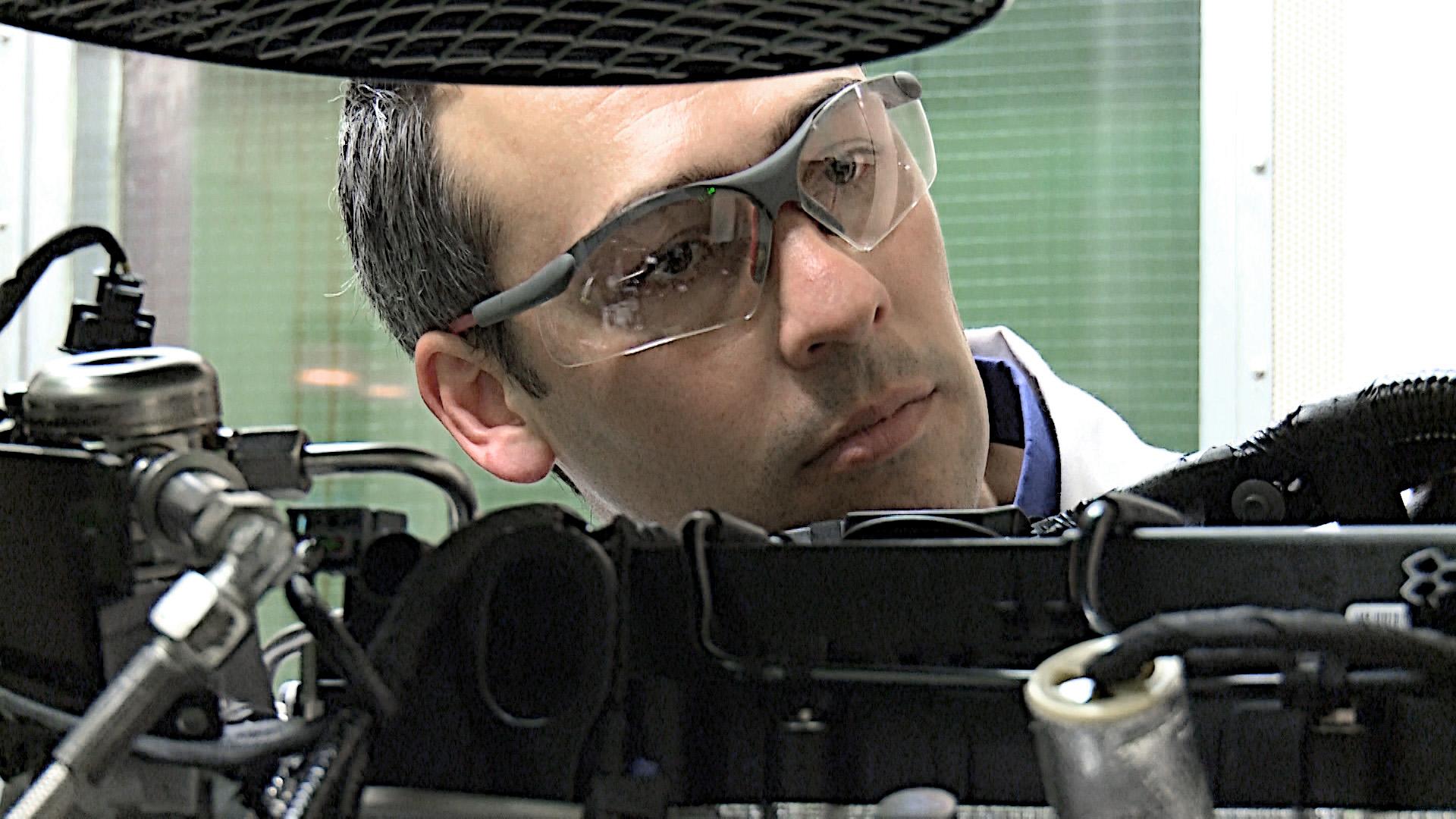 Ngoài nhà máy sản xuất động cơ tại Valencia, một số nhà máy tại khu vực Châu Á Thái Bình Dương cũng được áp dụng biện pháp lắng nghe động cơ để kiểm tra.