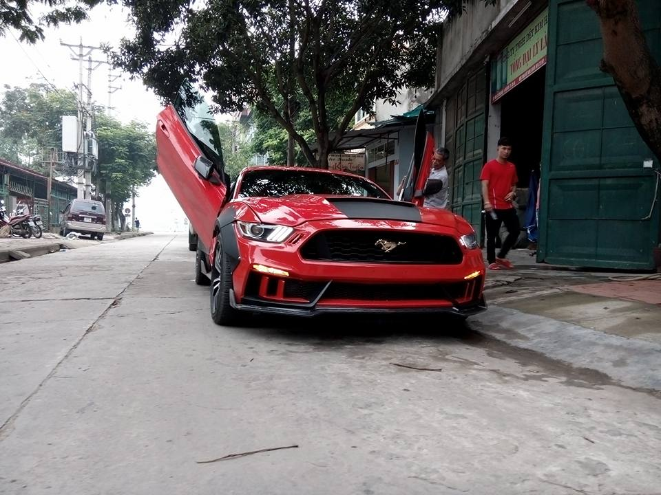 Tay chơi Lào Cai chi thêm 250 triệu Đồng cho bản độ Ford Mustang 2015 độc nhất Việt Nam - Ảnh 1.