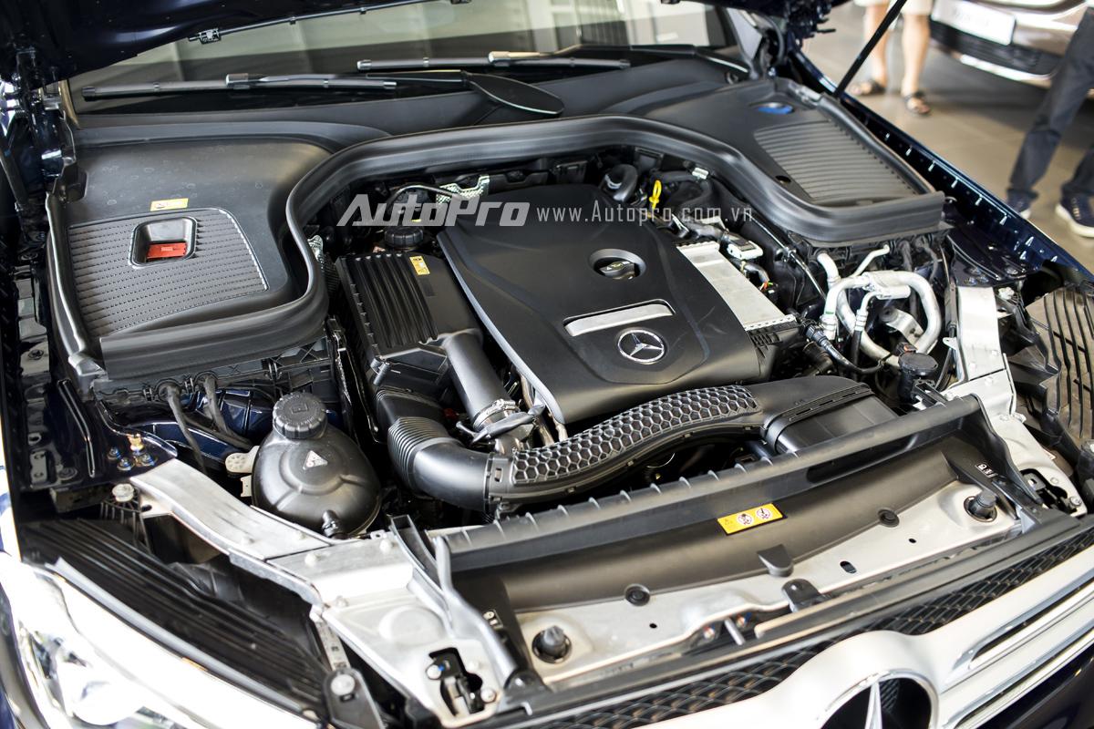 Xe được trang bị động cơ xăng 4 xi-lanh, tăng áp, dung tích 2.0 lít, sản sinh công suất tối đa 245 mã lực và mô-men xoắn cực đại 369 Nm.