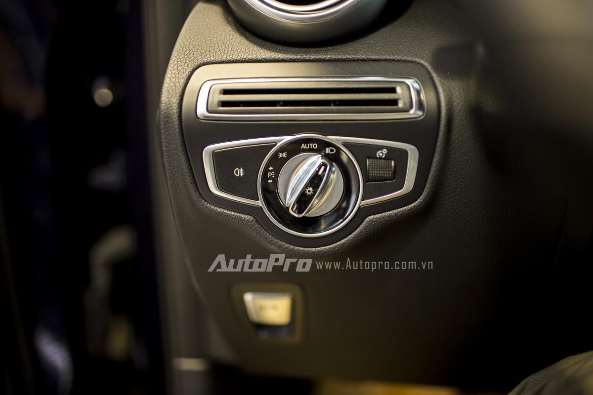 Hệ thống điều khiển đèn chiếu sáng của xe.