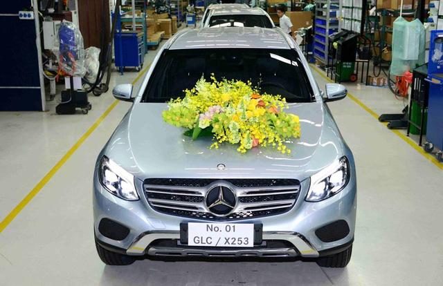 Chiếc Mercedes-Benz GLC đầu tiên lắp ráp tại Việt Nam xuất xưởng.