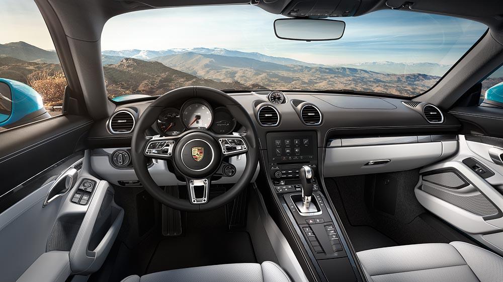 Nội thất bên trong Porsche 718 Cayman được thiết kế hoàn toàn mới.