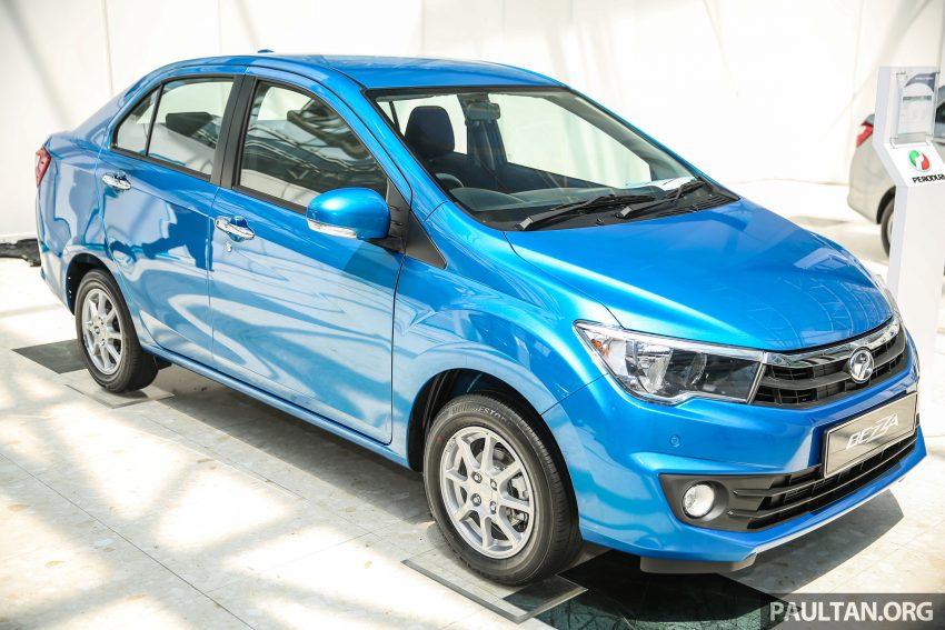Tại thị trường Malaysia, Perodua Bezza có 6 tùy chọn màu sơn ngoại thất là đỏ, đen, bạc, trắng, nâu và xanh dương. Trong đó, 2 màu cuối cùng dành riêng cho bản 1.3L.