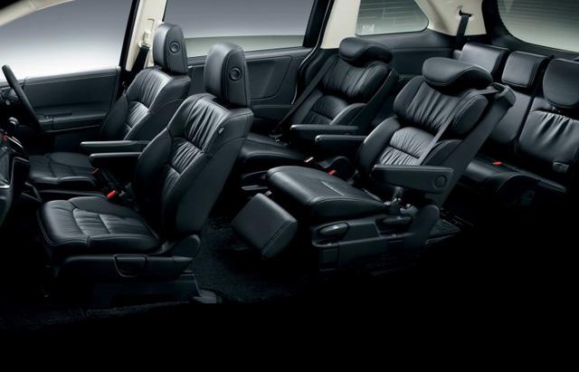 Khoang cabin rộng rãi trên Honda Odyssey, với hàng ghế giữa rất tiện nghi và sang trọng.