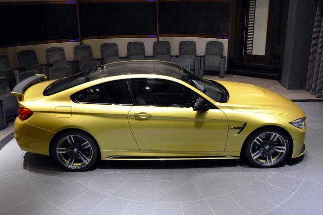 Đáng tiếc là chư rõ giá bán cụ thể của chiếc BMW M4 màu vàng Austin Yellow.