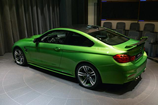 <br /> Hiện chưa có thông tin về giá của chiếc BMW M4 Coupe đặc biệt này. Dự đoán, chi phí cho những nâng cấp trên chiếc BMW M4 Coupe sẽ rơi vào khoảng 30.000 USD, tương đương 675 triệu Đồng.<br />