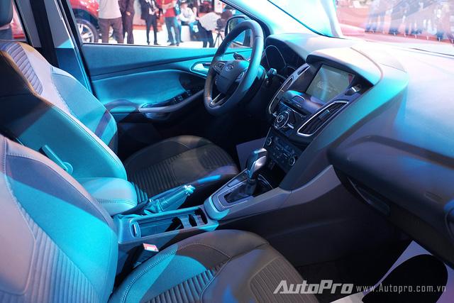 Ford Focus mới được trang bị tính năng SYNC2 điều khiển bằng giọng nói và đặc biệt là thêm MyKey cho phép chủ xe có thể quản lý chiếc xe dễ dàng hơn. Điều này khiến Ford Focus mới trở thành chiếc xe thông minh hơn.