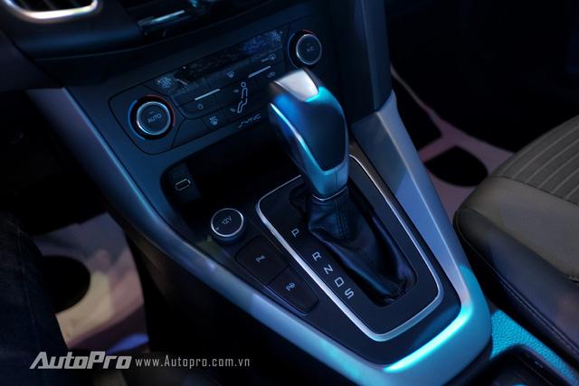 Ford Focus mới được trang bị hộp số tự động 6 cấp mới.