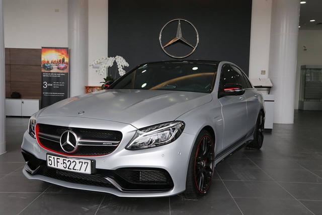 Hàng độc Mercedes AMG C63 S Edition 1 vừa được bàn giao cho chủ nhân.