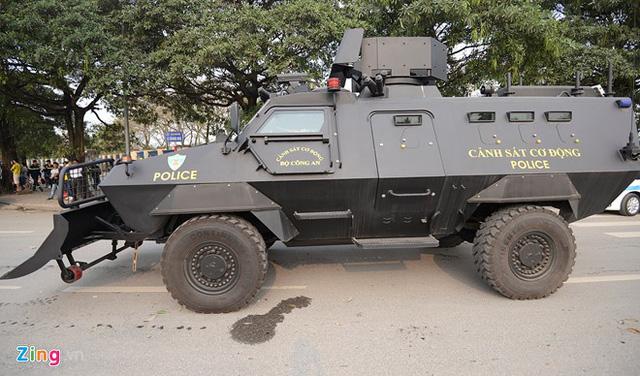 Xe bọc thép S5 của Cảnh sát cơ động Việt Nam. Ảnh Zing.vn