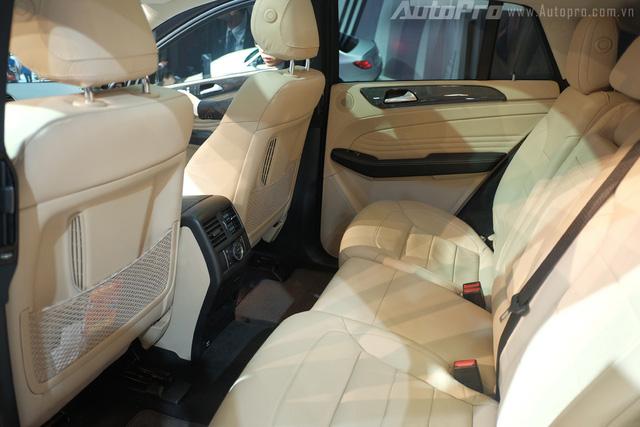 Không gian nội thất phía sau GLE Coupe.