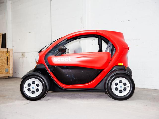 Xe điện nhưng tiện như xe máy, Twizy đang đắt hàng tại Mỹ như một mẫu xe thuê.