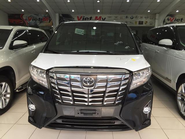 Chọn triển lãm Bangkok 2015 diễn ra vào tháng 3 đầu năm để ra mắt các khách hàng Đông Nam Á, Toyota Alphard thế hệ thứ 3 gây ngạc nhiên bởi thiết kế sắc sảo đi kèm nội thất sang trọng.