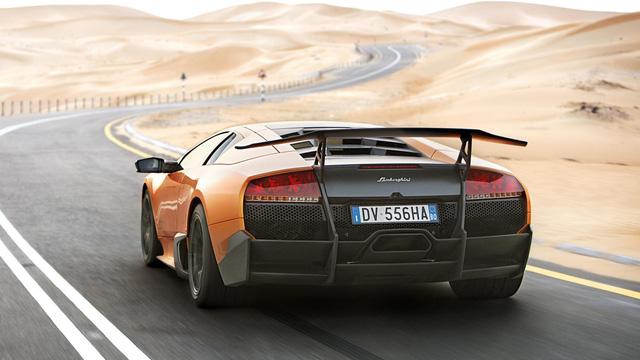 Lamborghini Murcielago LP670-4 – 7 phút 42 giây. Đây là một minh chứng cho thấy sự phát triển trong thiết kế của các dòng siêu xe. Murcielago với hệ thống dẫn động 4 bánh toàn thời gian, động cơ V12 cung cấp 670 mã lực – một con số khá khủng. Tuy nhiên, ngoài việc thua Porsche Paramera, mẫu xe này vẫn chậm hơn 40 giây so với đàn em Lamborghini Aventador SV LP750-4.