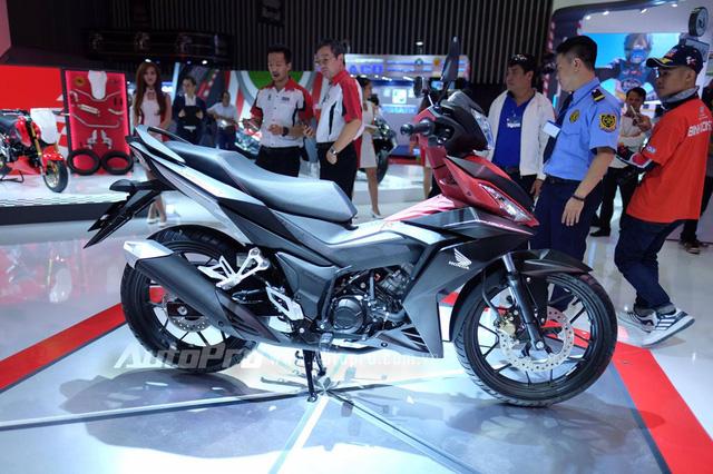 Honda Winner 150 với nhiều đường cắt sắc và dứt khoát trên thiết kế tổng thể của xe.