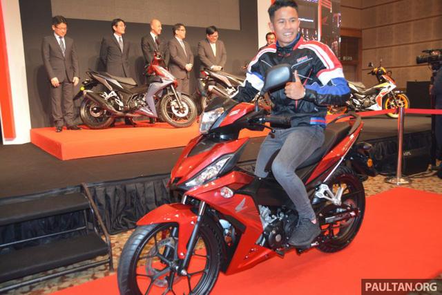 Tay đua Khairul Idham Pawi trong sự kiện ra mắt Honda RS150R.