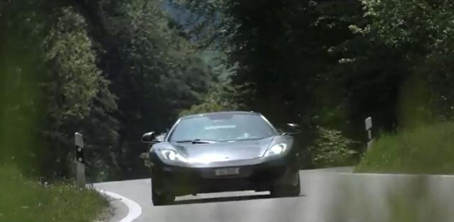 Chiếc McLaren 12C Spider rong ruổi khắp châu Âu.