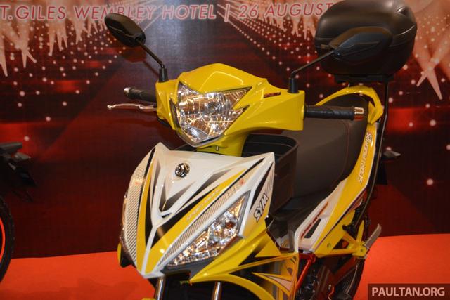 Ngoài ra, SYM Sport Rider 125i còn có 3 tùy chọn màu sơn là vàng, xanh dương và đỏ.