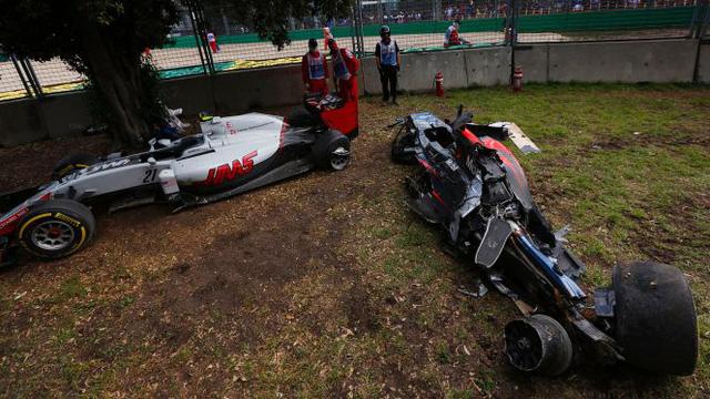 Hai chiếc xe đua liên quan đến vụ tai nạn.