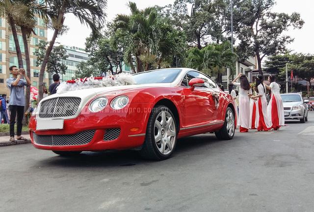 Continental GT Speed từng là siêu xe nhanh nhất của Bentley khi ra mắt vào năm 2012. Chiếc coupe với hình dáng mũm mĩm từng gây sốt trong giới chơi xe Việt Nam một thời khi được đưa về nước lần đầu vào giữa năm 2008.