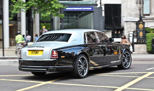 Thêm một chiếc Rolls-Royce Phantom do nhà độ Mansory lột xác và có tên gọi là Conquistador.