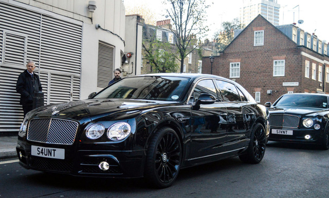 Bentley Flying Spur V8 độ Mansory.