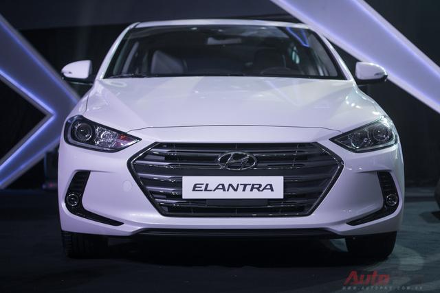Ngay tháng đầu tiên, Hyundai Elantra 2016 đã nhận được 1.000 đơn đặt hàng - gấp đôi lượng bán dự kiến hàng tháng của Hyundai Thành Công.