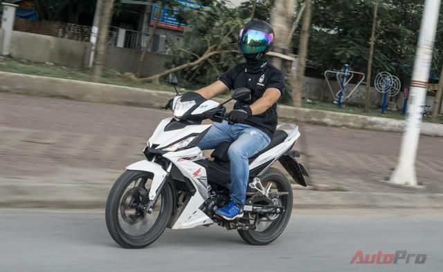 Honda Winner 150 tăng tốc tốt trên đường phố.