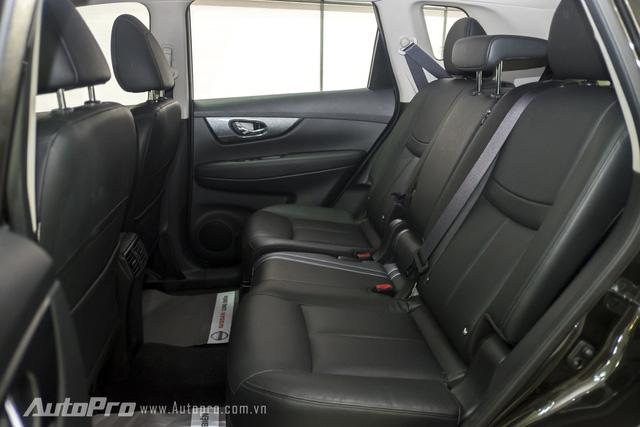 Hàng ghế thứ hai của Nissan X-trail khá thoải mái với không gian rộng rãi và khả năng ngả ra phía sau. Tất nhiên, cửa gió hàng ghế hai cũng được trang bị.