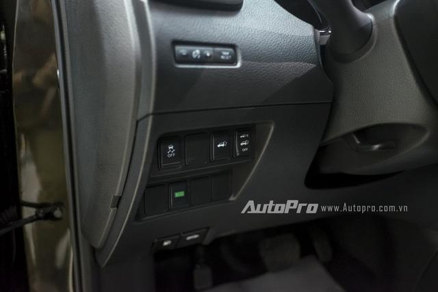 Xe được tích hợp chế độ lái ECO giúp Nissan X-trail tiết kiệm nhiên liệu hơn. Ngoài ra, xe cũng có cả tính năng cân bằng điện tử.