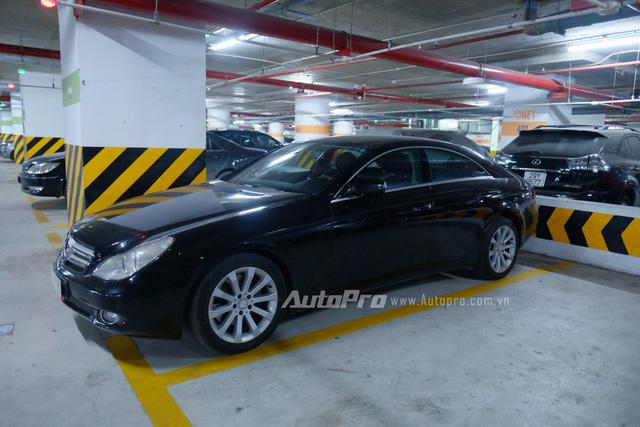 Chiếc xe Mercedes-Benz CLS 350 có giá khoảng hơn 2,5 tỉ.