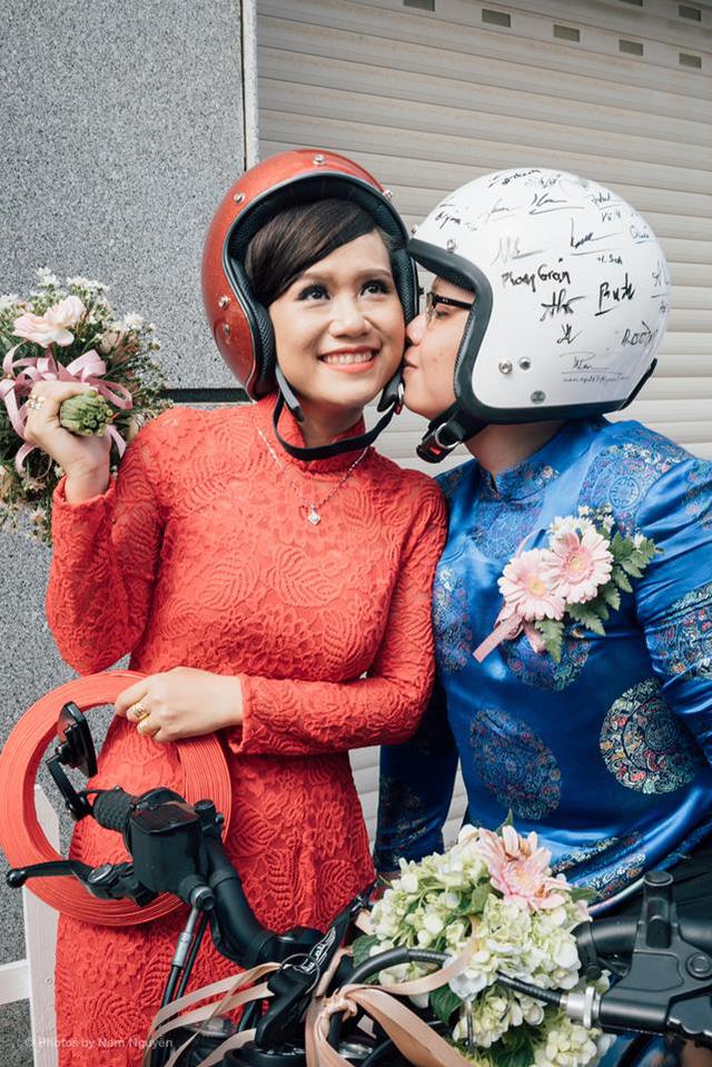 Giây phút hạnh phúc của cô dâu, chú rể trong ngày cưới.