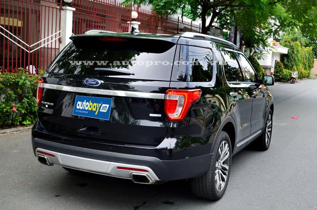 Ford Explorer 2016 thực chất là bản nâng cấp của thế hệ thứ 5 được sản xuất từ năm 2011 đến 2015.
