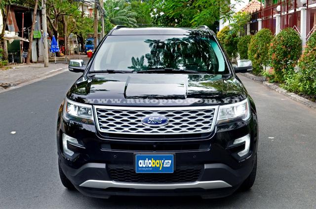 Sau phiên bản Limited, bản cao cấp nhất của Ford Explorer 2016 là Platinum cũng được các công ty nhập khẩu tư nhân tại Sài thành đưa về nước nhằm mang đến nhiều sự lựa chọn đa dạng hơn cho các khách hàng Việt.