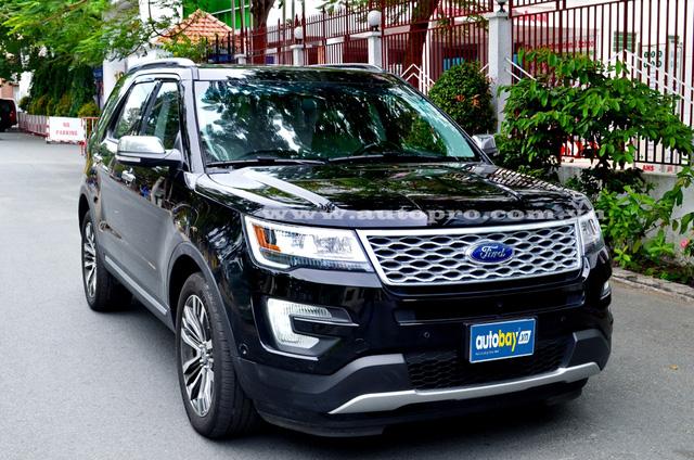 Mức giá mà một công ty nhập khẩu tư nhân Quận Tân Bình chào bán chiếc Ford Explorer Platinum 2016 vào khoảng 3,55 tỷ Đồng.
