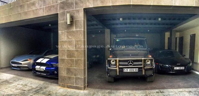 Mức giá 7 tỷ Đồng cùng vẻ ngoài lạnh lùng của những chiếc Mercedes-Benz G63 AMG luôn khiến các tay chơi Việt phải tìm đến để làm bộ sưu tập. Trong garage của một đại gia khá kín tiếng tại Quận 2, bên cạnh dàn siêu xe với 3 chiếc biển khủng tứ quý 8, cũng từng có một chiếc Mercedes-Benz G63 AMG biển tứ quý 9 đẹp mắt.